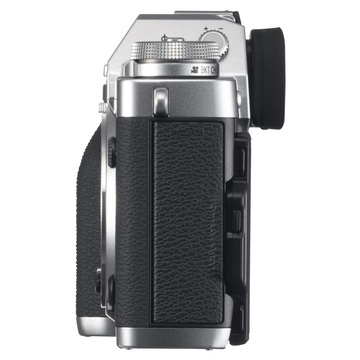 X-T3 Silver + XF 18-55mm f/2.8-4 + XF 55-200mm f/3.5-4.8 Fujinon Nero