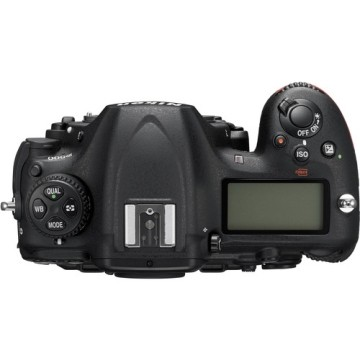 Nikon D500 Body + SD 16GB