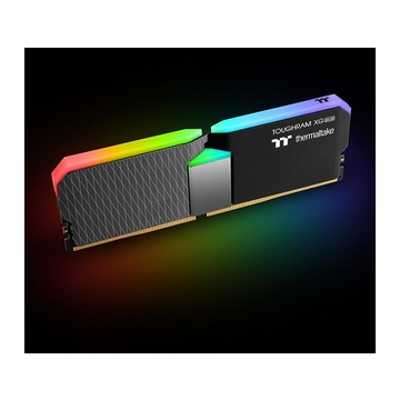 Thermaltake TOUGHRAM XG 16 GB 2 x 8 GB DDR4 4400 MHz