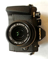 OM-D E-M10 Mark II + 14-42mm f/3.5-5.6 II R Nero