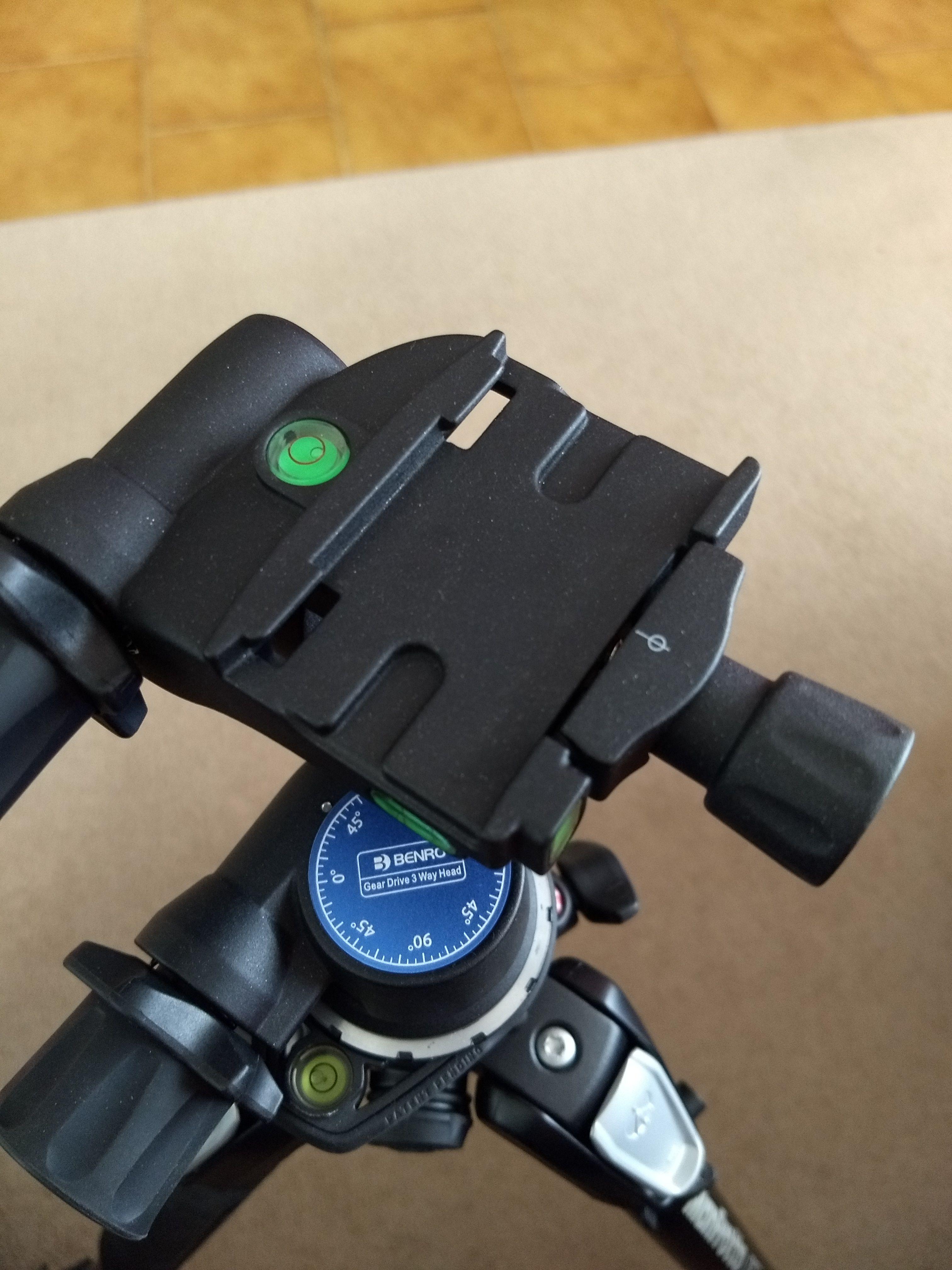 Geared Testa a tre movimenti con controllo micrometrico